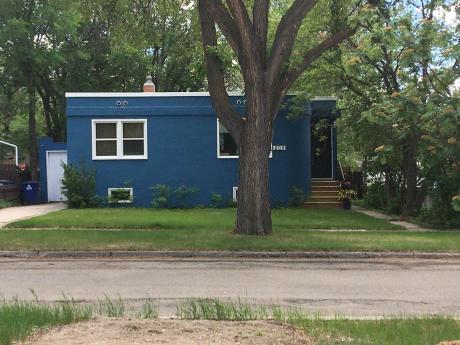 House / Detached House For Sale in Saskatoon, SK - 3 bdrm, 2 bath (809 31st St W)
